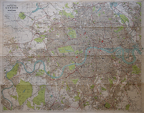 Bacons LargePrint Map of London and Suburbs c1903